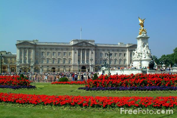 31_02_1---Buckingham-Palace--London--United-Kingdom_web.jpg