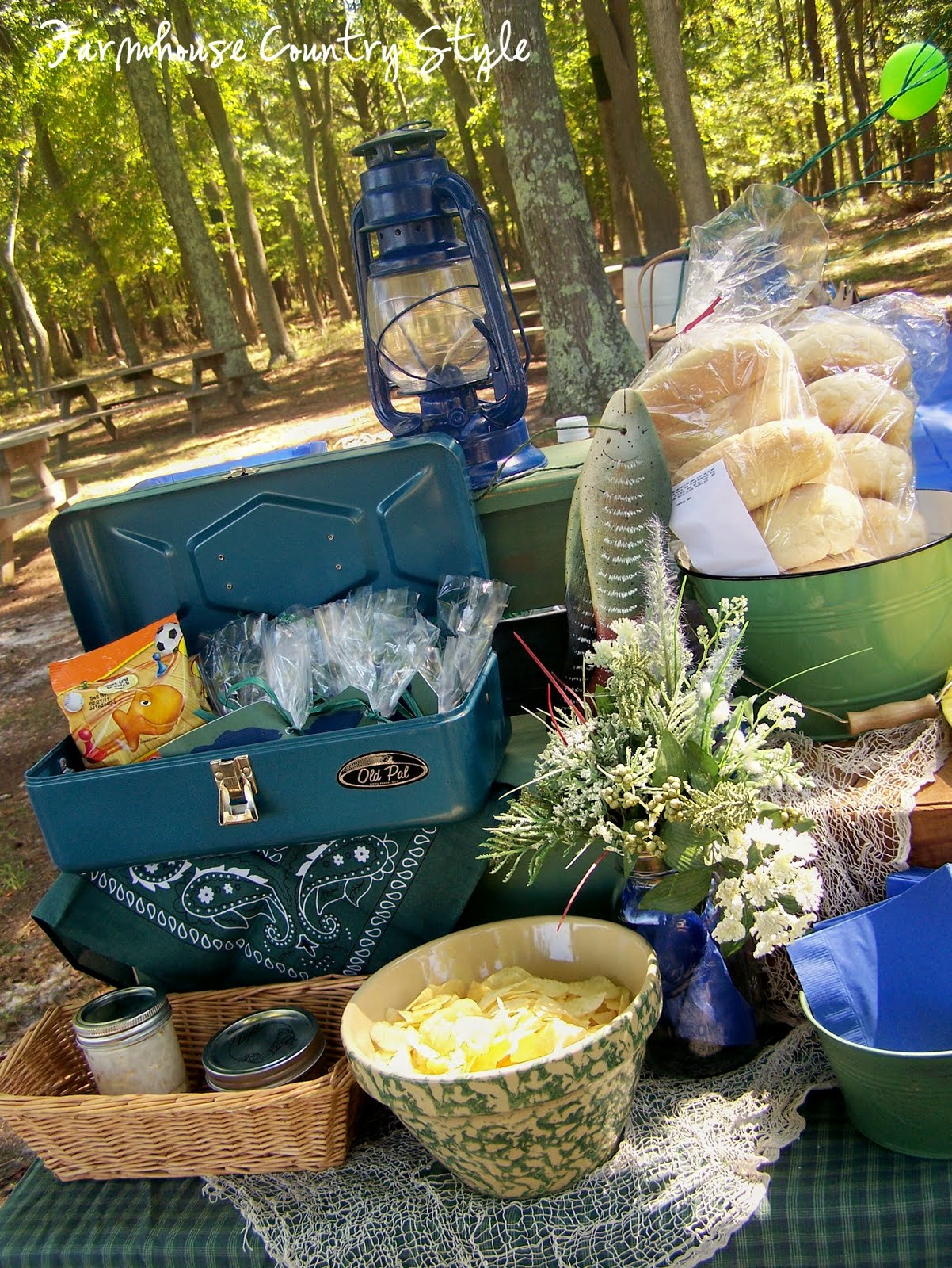 Farmhouse country style a fishin 39 we all went for Fish party supplies