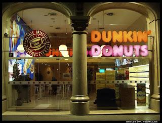 http://2.bp.blogspot.com/_RiNEbfygB9s/R0RQTomxgqI/AAAAAAAABAc/i8Ha2ELcq40/s1600/dunkin-donuts-in-barcelona.half