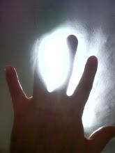 mano de luz