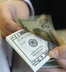 Cadivi establece tope de 3.000 dólares para viajeros