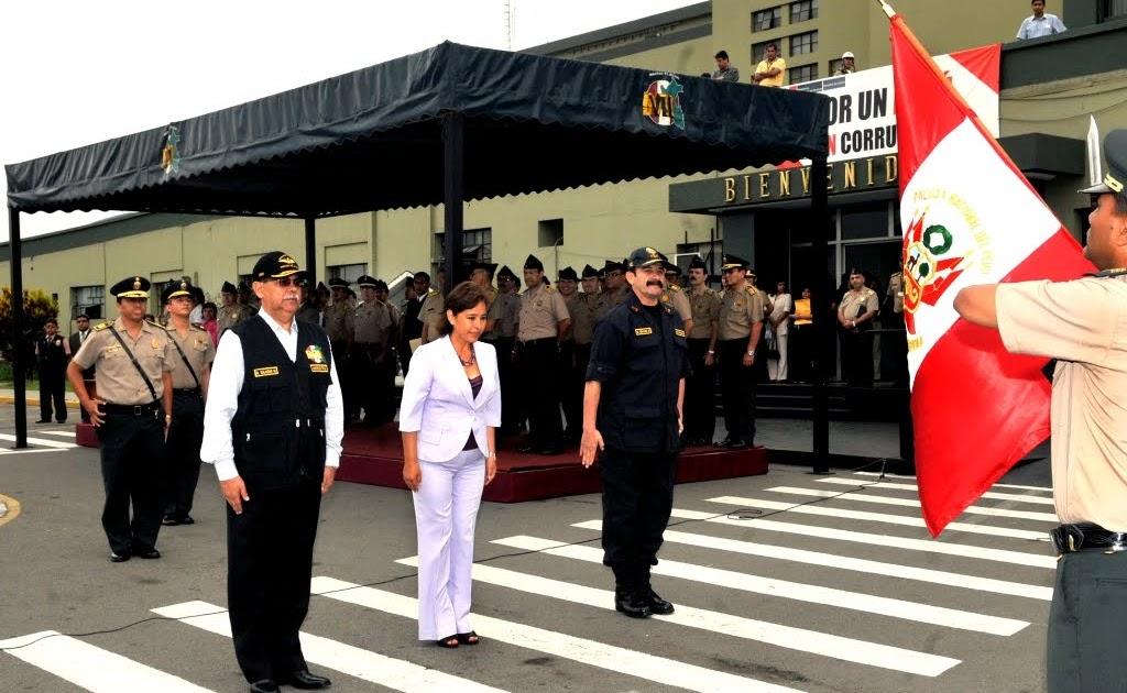 Ministerio del interior ministro del interior y ministra for Ministerio del interior policia nacional del ecuador