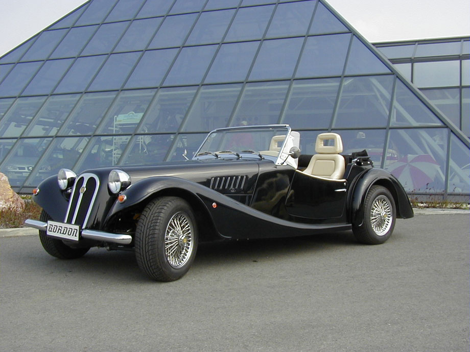 Frontal_Lateral_Gordon_Roadster_1.jpg