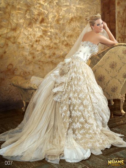 Nüans Moda Evi Gelinlik Modelleri