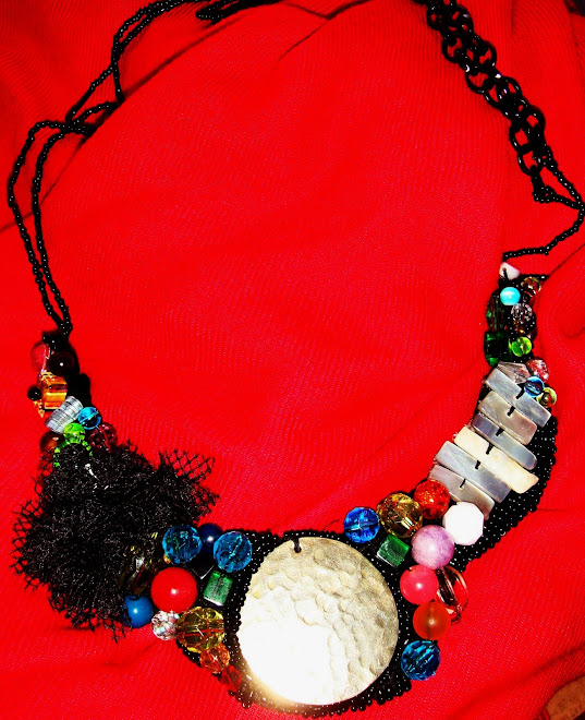 collar bordado