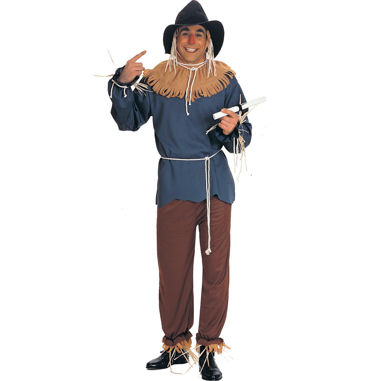 Len as the scarecrow