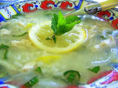 met dank aan Gato Azul http://gato-azul.blogspot.com/2008/07/canja-soupe-au-riz-et-au-poulet-recette.html