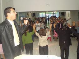 Obreiros Intercedendo pela igreja