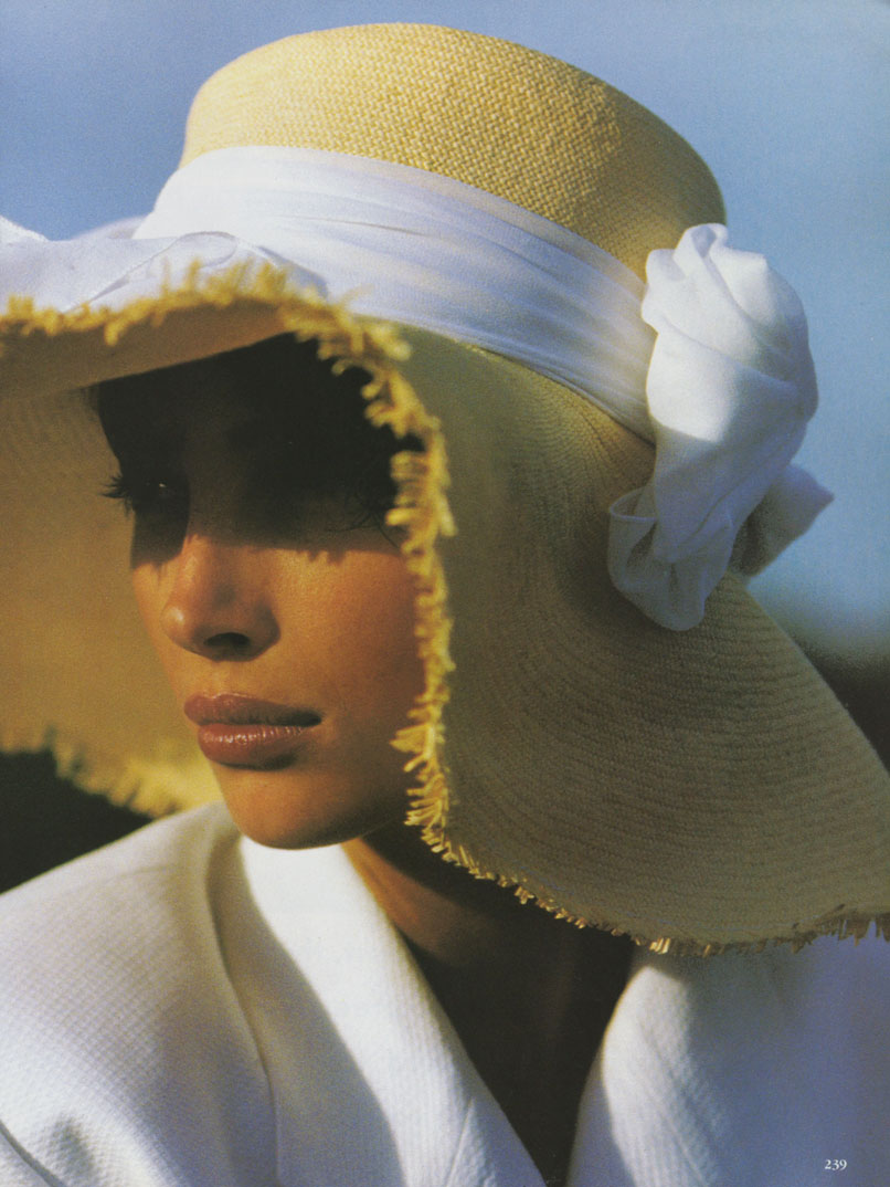 http://2.bp.blogspot.com/_RrfoUxX-jD4/TKiOvJMj0MI/AAAAAAAAC7c/Of73B4ZkYP4/s1600/Christy_Turlington_US_Vogue_May_1990_12.jpg