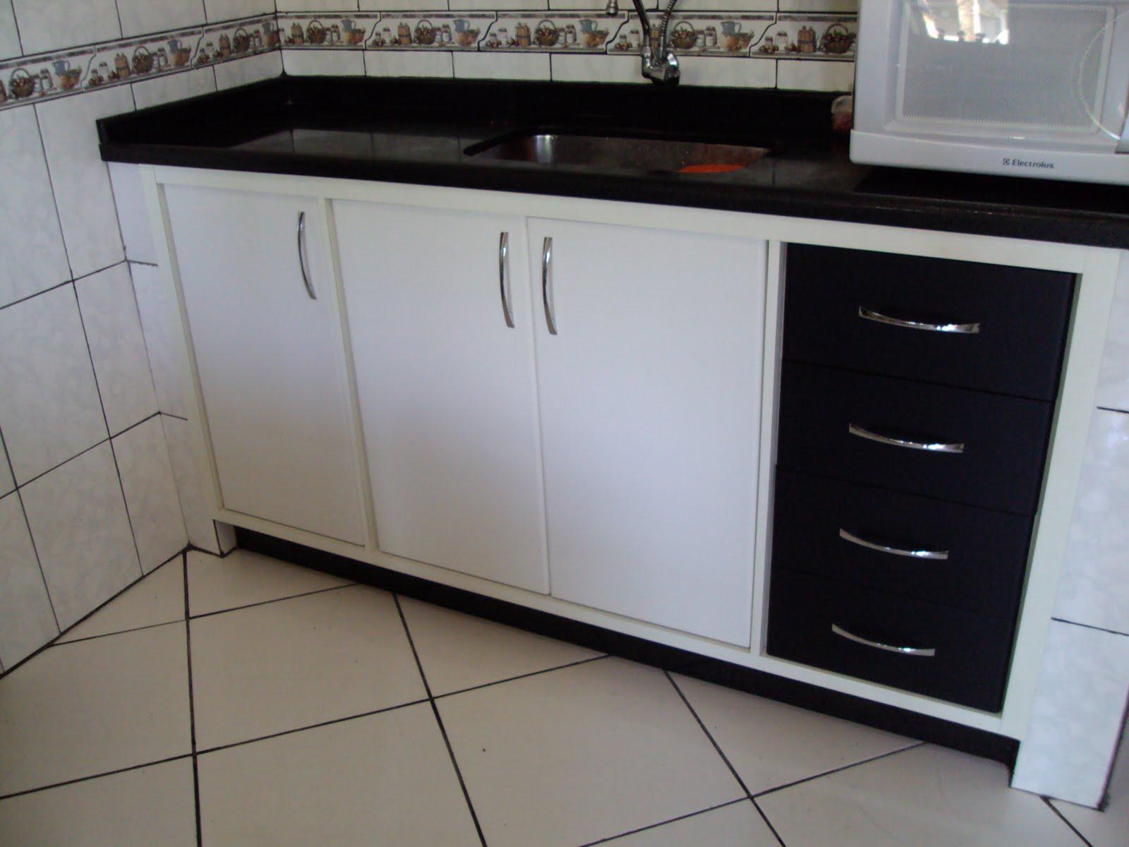 Marcenaria MBR Móveis: Armário de cozinha embutido revestido com  #5C4D43 1600 1200