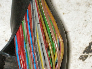 mercedes+wires_1 mercedes wire harness defect Residential A C Wiring Diagram at mifinder.co