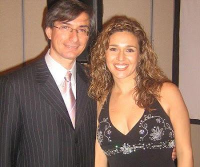 Federico Salazar junto a su esposa Katia Condos