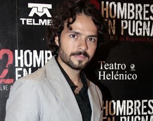 José María Torre con bigote y barba