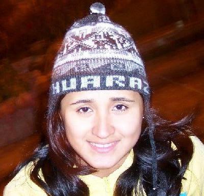 Vivian Baella con gorrito de Huaraz