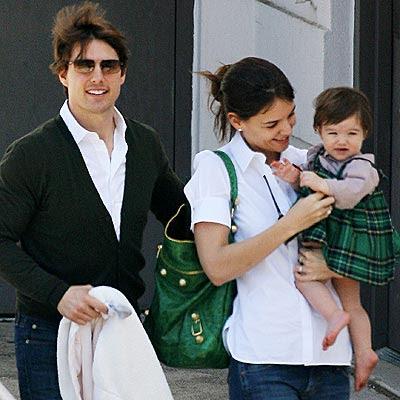 Cruise  Katie Holmes Suri on Suri Cruise Con Sus Padres Tom Cruise Y Katie Holmes