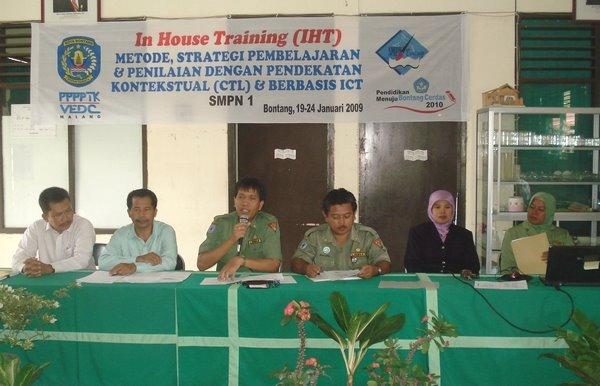 Pembukaan IHT di SMPN I Bontang