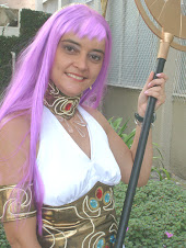 Cosplayer como Saori