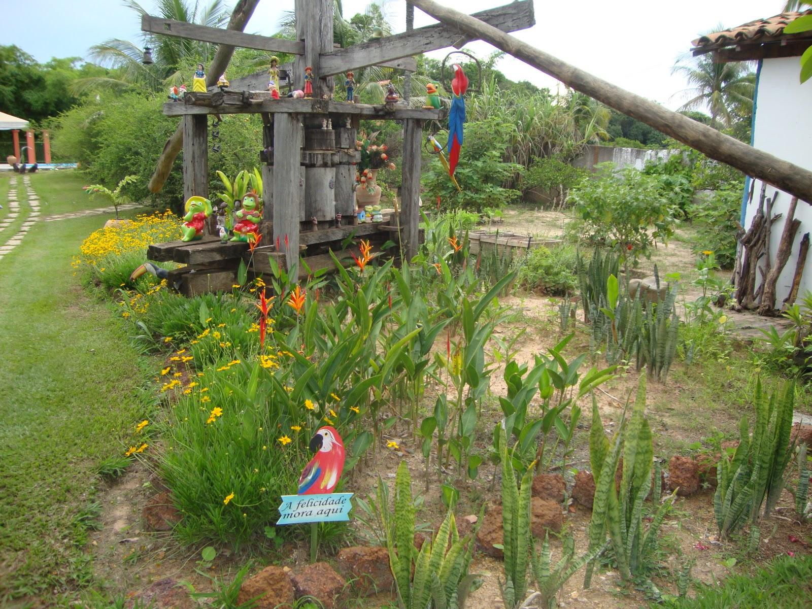 jardim fundo quintal : jardim fundo quintal:Luciana Ebeling: Simolândia: Pousada Fundo de Quintal