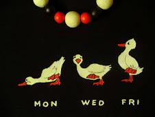 Luni, Miercuri, Vineri (tricou pictat+margele lut asortate)