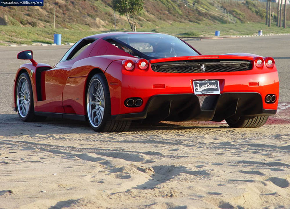 Initially, the Enzo Ferrari cost $ 670,000 and only 399 units ever