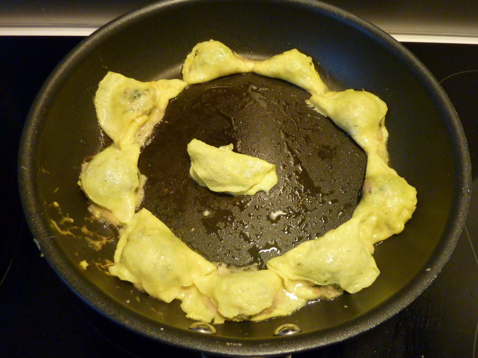 Family FECS: Chinese Egg Dumplings/Kinesisk Æg Dumplings ...