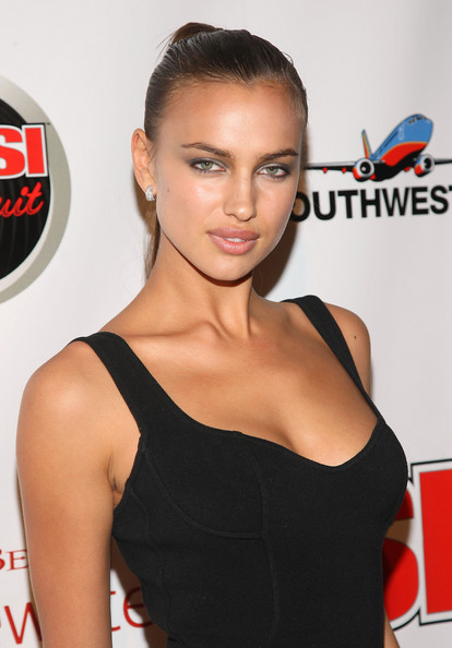 hot and sexy irina shayk, hot irina shayk in bikini, hot irina shayk boobs/breasts, hot irina shayk wallpapers and photos