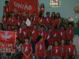 O 1° lugar ficou com a vermenlha com tema:união mas todos somos vencedores o objetiv