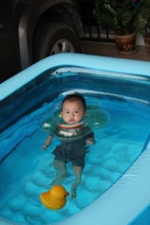 Gummy berry mambobaby swimming pool specially for for Swimmingpool gummi
