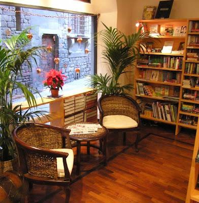 Paperback Exchange bookstore Italy