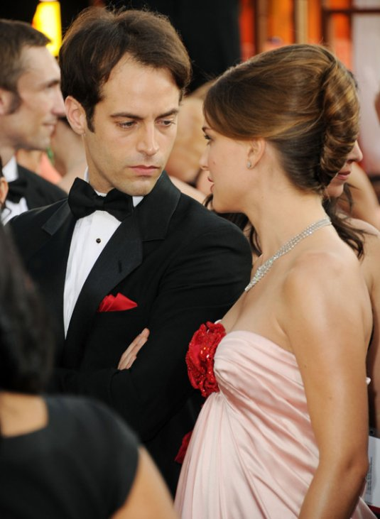 Natalie Portman Fiance Black Swan. Natalie Portman engagement
