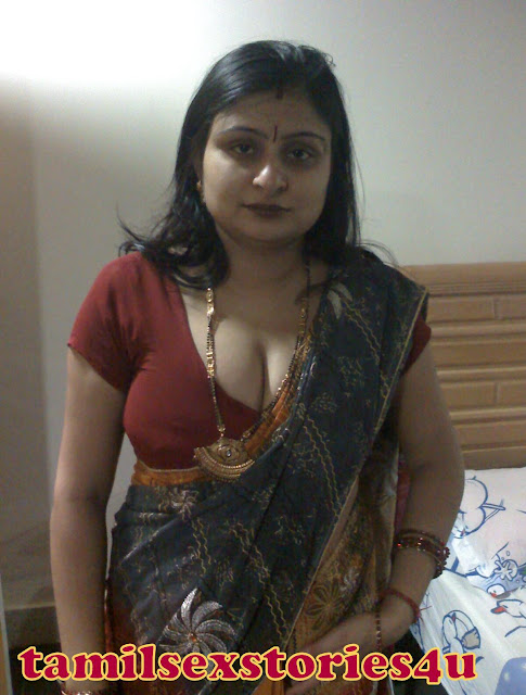 Desi house wife hot picture gallery for Indian hot house