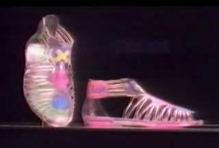 famos  237 simas sandalias de Xuxa  tambi  233 n conocidas como  quot XuxandaliasXuxandalias