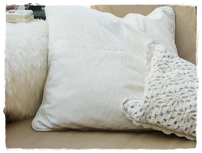 versponnenes laura ashley. Black Bedroom Furniture Sets. Home Design Ideas
