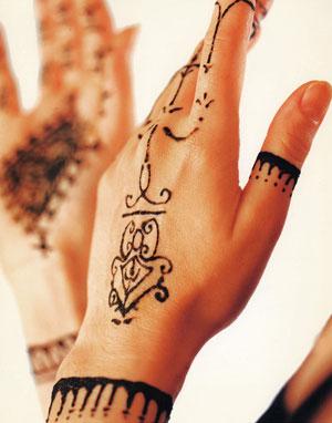 http://2.bp.blogspot.com/_S3rz7oekHqs/TR9d1U9XfkI/AAAAAAAABdA/FUSiKJCApJQ/s1600/Henna%2BTattoo2.jpg