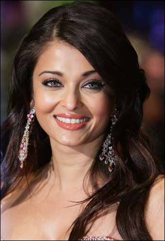 Aishwarya Rai Latest Hairstyles, Long Hairstyle 2011, Hairstyle 2011, New Long Hairstyle 2011, Celebrity Long Hairstyles 2060