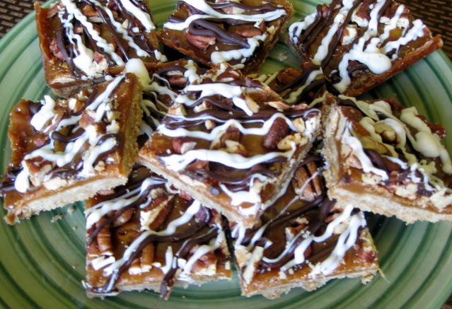 In the Long kitchen: Caramel-Pecan Bars with Chocolate Drizzle