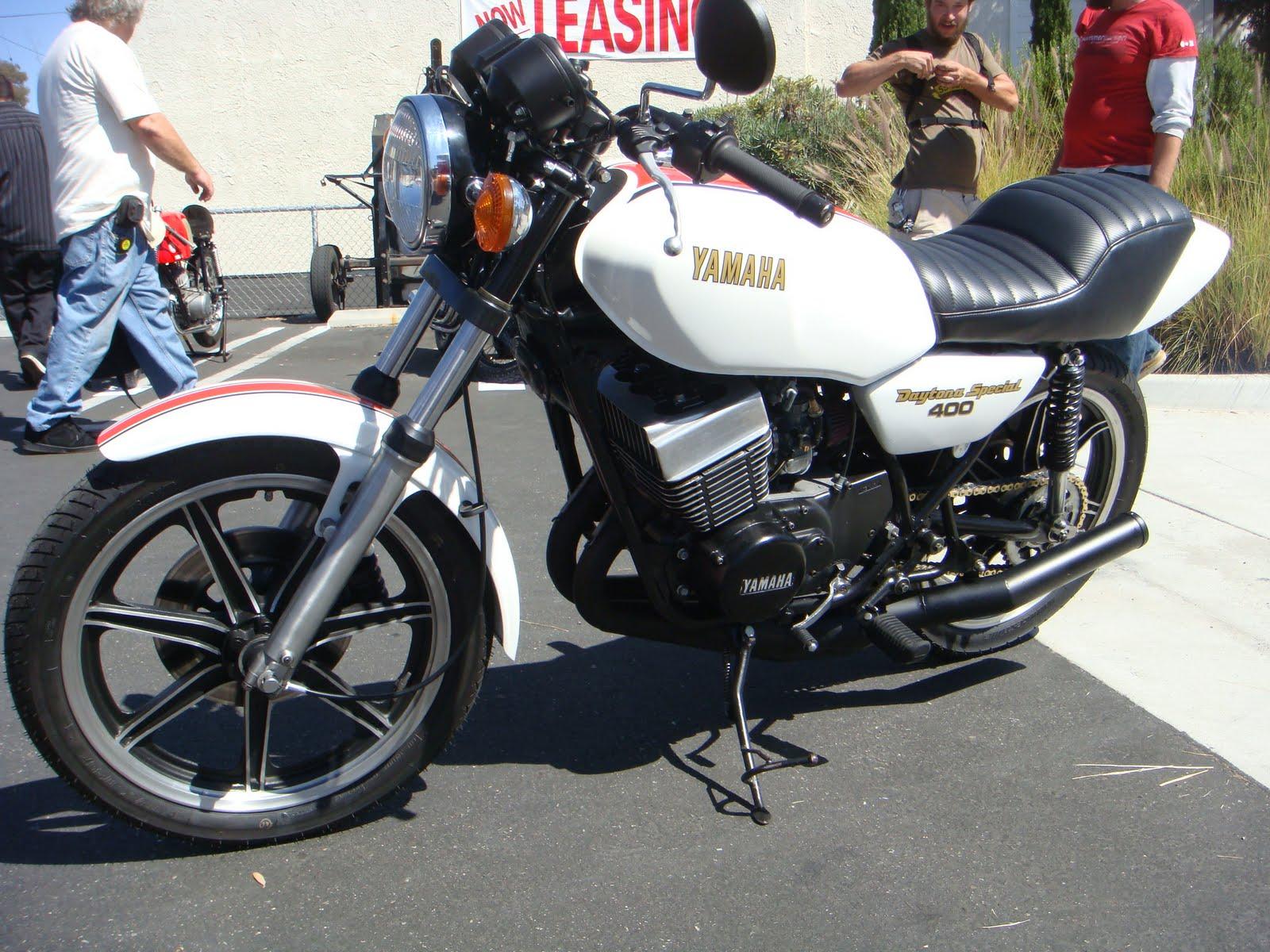 MOTOMO  1979 Yamaha RD 400 Daytona Special