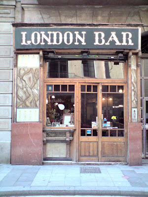 Barcelona Sights - London Bar