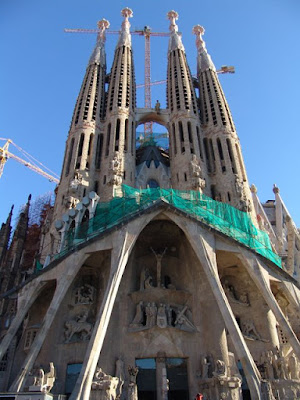 Barcelona Sights - Sagrada Familia Crucifixion Facade