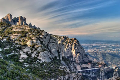 Montserrat, the Serrated Mountain - Barcelonasights