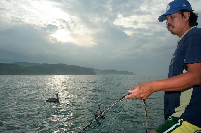 Pescando en Maruata