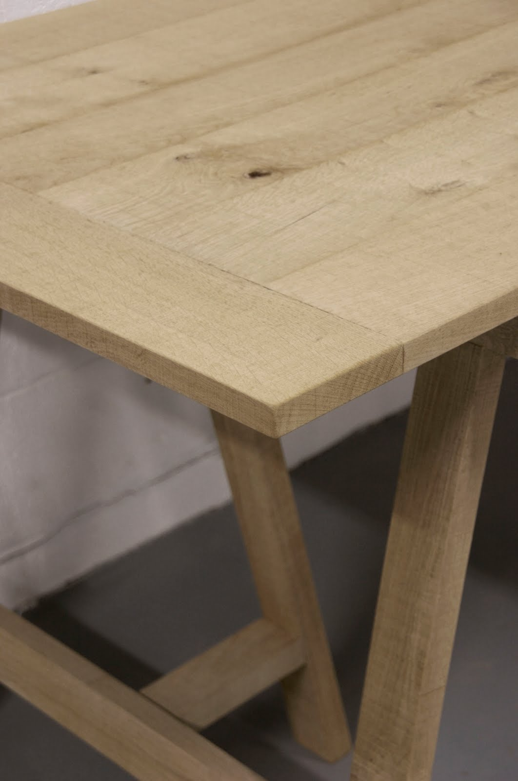 malvini belgium Louis Trestle Table : LOUIS2BTRESTE2BMALVINI2BSCHRAGENTAFEL2B2 from malvini.blogspot.com size 1062 x 1600 jpeg 78kB