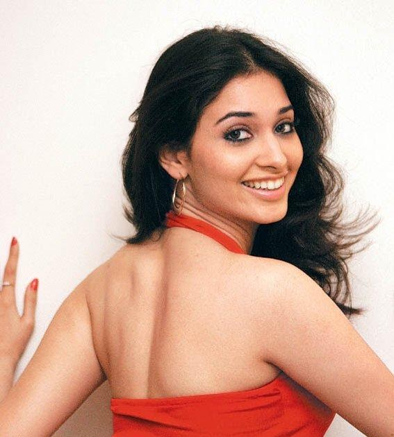 Tamanna hot images - Tamil Actress Cleavages boobs