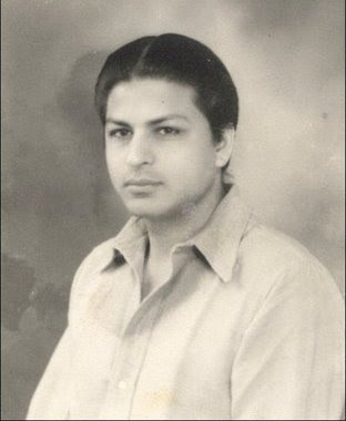 Shahrukhkhan Father