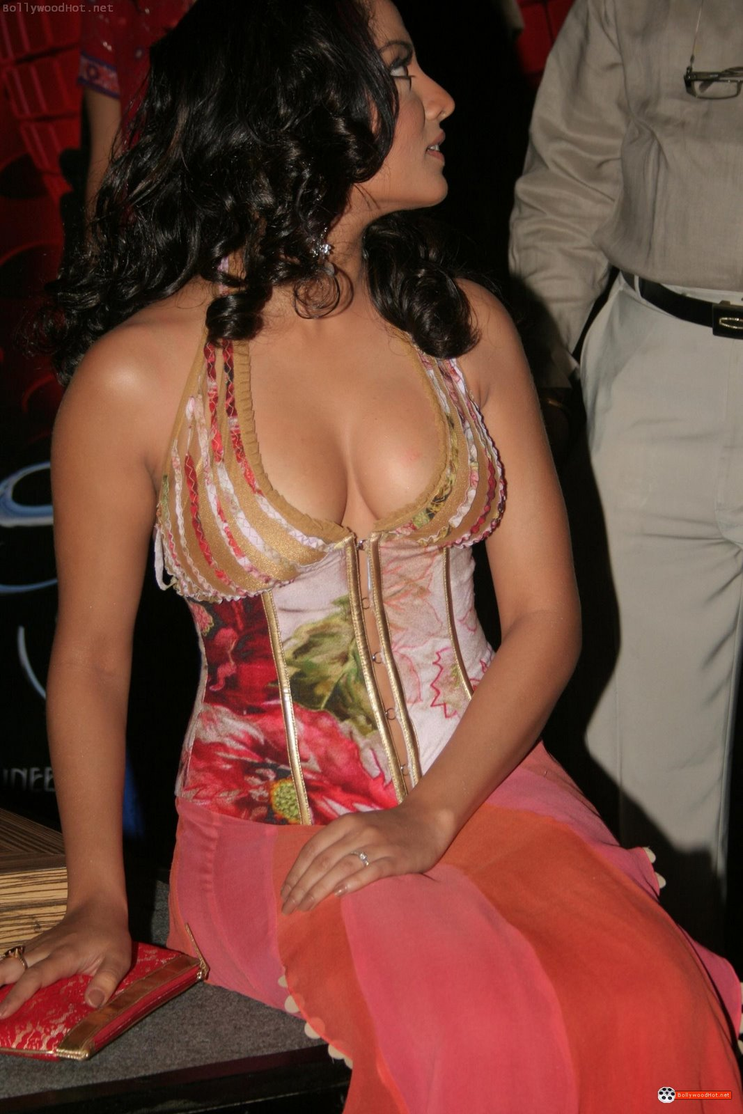 [celina-jaitley-hot-bollywood-actress-sexy-girl10.jpg]