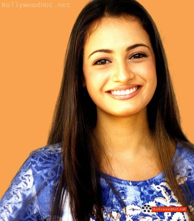 [sexy-hot-girl-diya-mirza-bollywood-hot-actress2.jpg]
