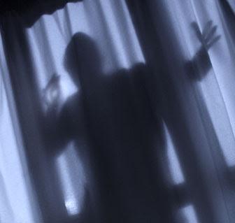 http://2.bp.blogspot.com/_SFZt0tl-B3U/STMOLKisUGI/AAAAAAAAVUo/02dgVeTclVI/s400/burglar00000.jpg