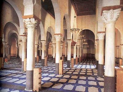 http://2.bp.blogspot.com/_SG-_6IjAdQM/Sh6JzWEojOI/AAAAAAAABgw/H3K9uKiB7rw/s400/Kairouan-Mosque-Prayer-Hall.jpg