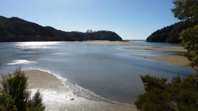 En Abel Tasman hay que dar algún rodeo que otro debido a las mareas