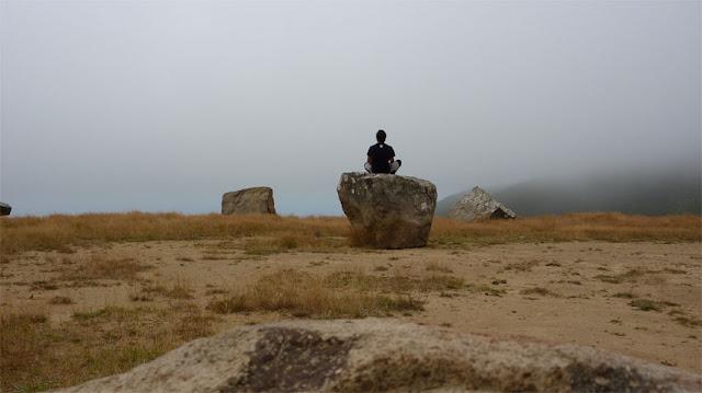 La niebla te puede sorprender en cualquier momento en Akaroa